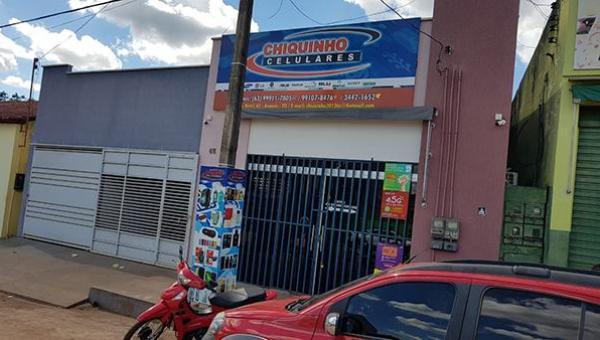 ANANÁS: Polícia identifica suspeitos de participação em assalto a loja de celulares