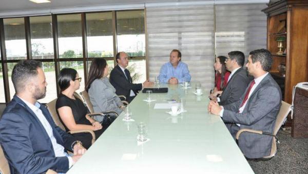 POLÍTICA: Governador Mauro Carlesse recebe diversas categorias da segurança pública