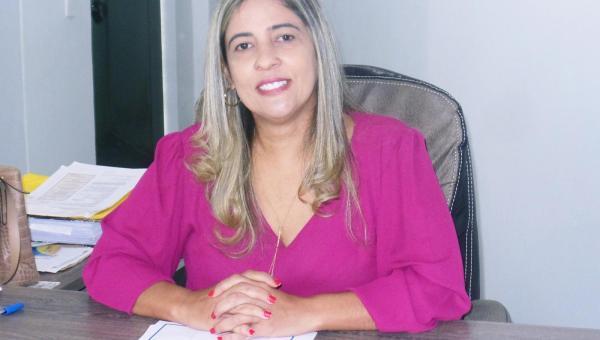 Prefeita Patrícia Evelin se reúne com secretários no primeiro dia útil do seu novo mandato em Xambioá