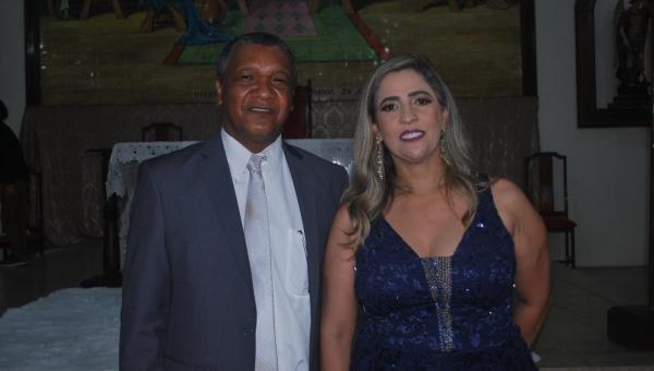 Prefeita reeleita de Xambioá Patrícia Evelin e o vice-prefeito Dr. Fidélis tomaram posse nesta sexta-feira