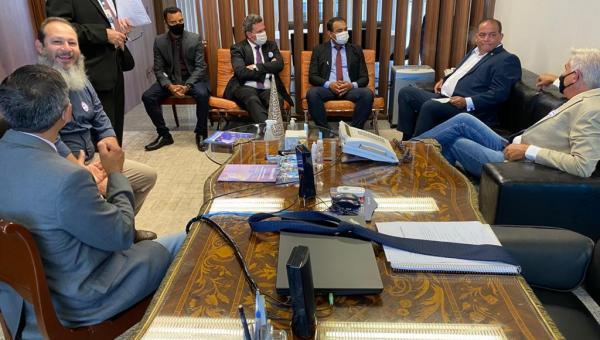Prefeito Eduardo Madruga e lideranças do Bico do Papagaio se encontram com autoridades em Brasília