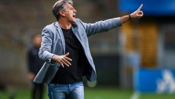 Renato dispara após vitória: 'O dia que eu não tiver comando eu vou embora', diz Renato