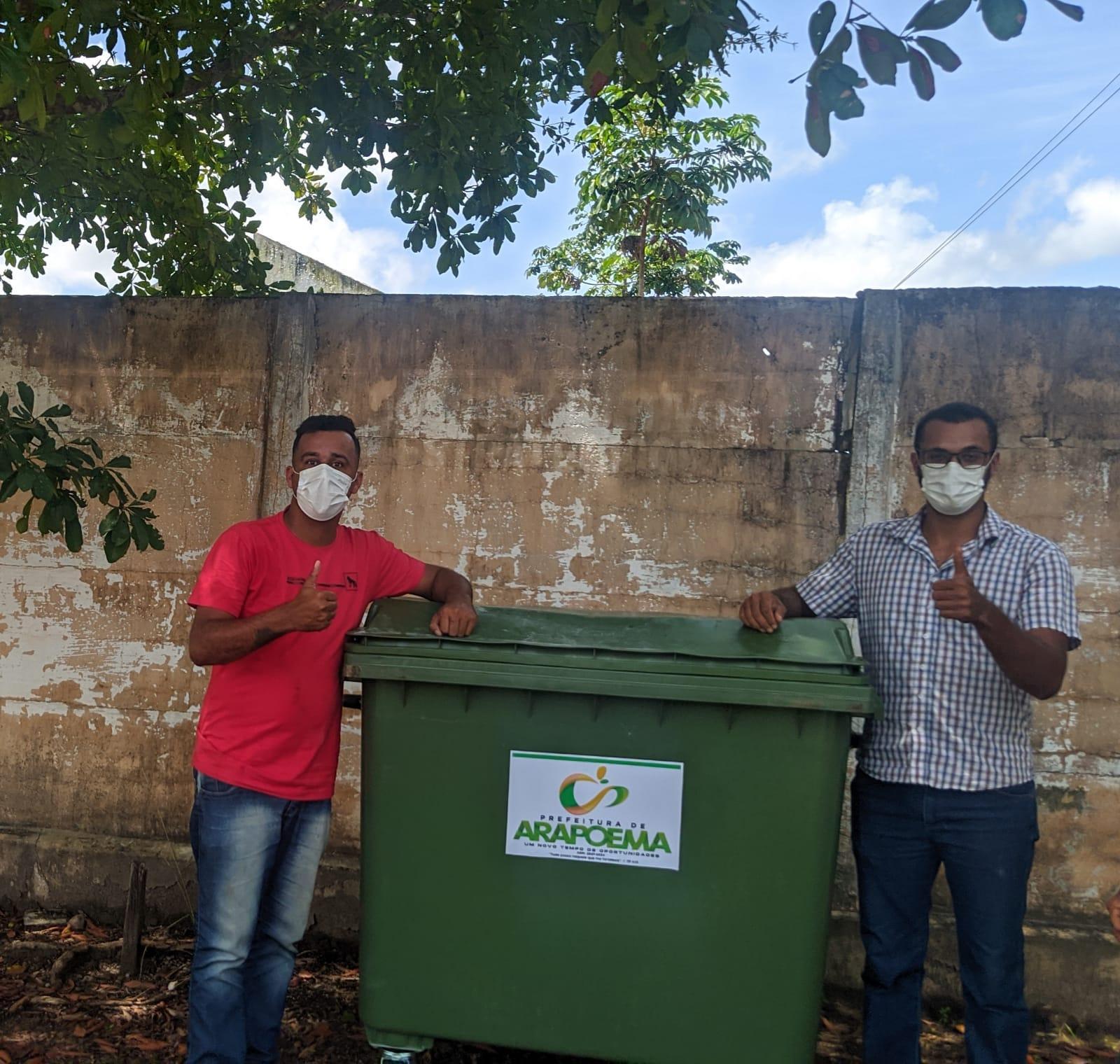 Prefeitura instala contêiner de lixo nos Povoados Zé Preto e Km 19