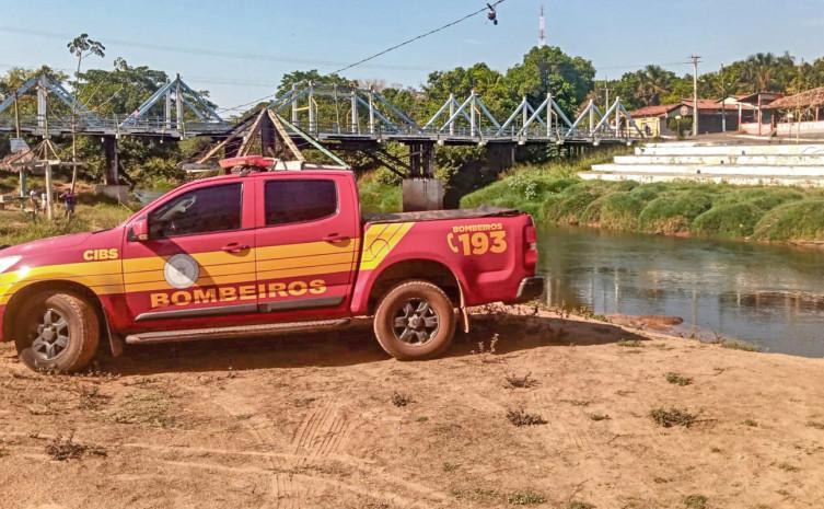 Bombeiros militares resgatam corpo de adolescente afogado em Ponte Alta